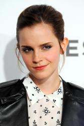 Emma Watson au festival Tribeca de New York. Th_128131822_EmmaWatson_TribecaFF_210412_110_122_343lo