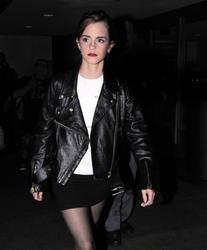 Emma Watson – LAX candids 01-10-14 x 14