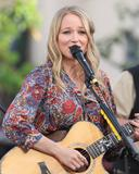 Джуэл Килчер, фото 798. Jewel Kilcher Performance at Extra at The Grove in LA - 17.11.2011, foto 798