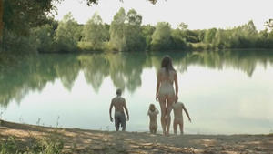 Marina Fois, Elodie Bouchez female frontal nudity