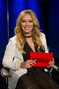 http://img275.imagevenue.com/loc475/th_942675071_Hilary_Duff_Project_Runway1_122_475lo.jpg