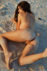 [Image: th_007540472_Niemira_fj_sunny_4_122_478lo.jpg]