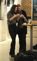 Джемма Артертон, фото 1035. Gemma Arterton Almeida Theatre in London - 05.01.2011, foto 1035