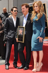 Jennifer Lopez - Hollywood Walk of Fame star ceremony for Simon Fuller in LA - May 23, 2011 292x HQ