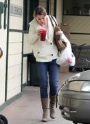 Ellen Pompeo out shopping at Nature Mart in Hollywood 18-02-2011 (small tags)